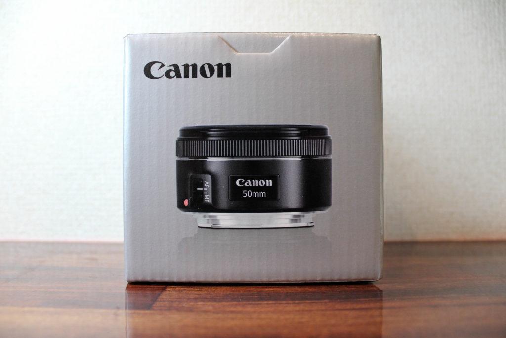 CANONのEF50mm F1.8 STMの外箱